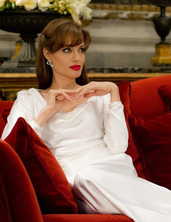 Feel good, look good: Angelina Jolie is the queen of red lips